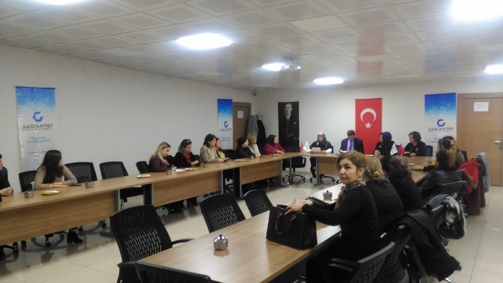 "Gaziantep Kent Konseyi Kadın Meclisi ""Kent Konseyi Kadın Meclisi Kentin Yazarları ile Buluşuyor"" etkinliği"