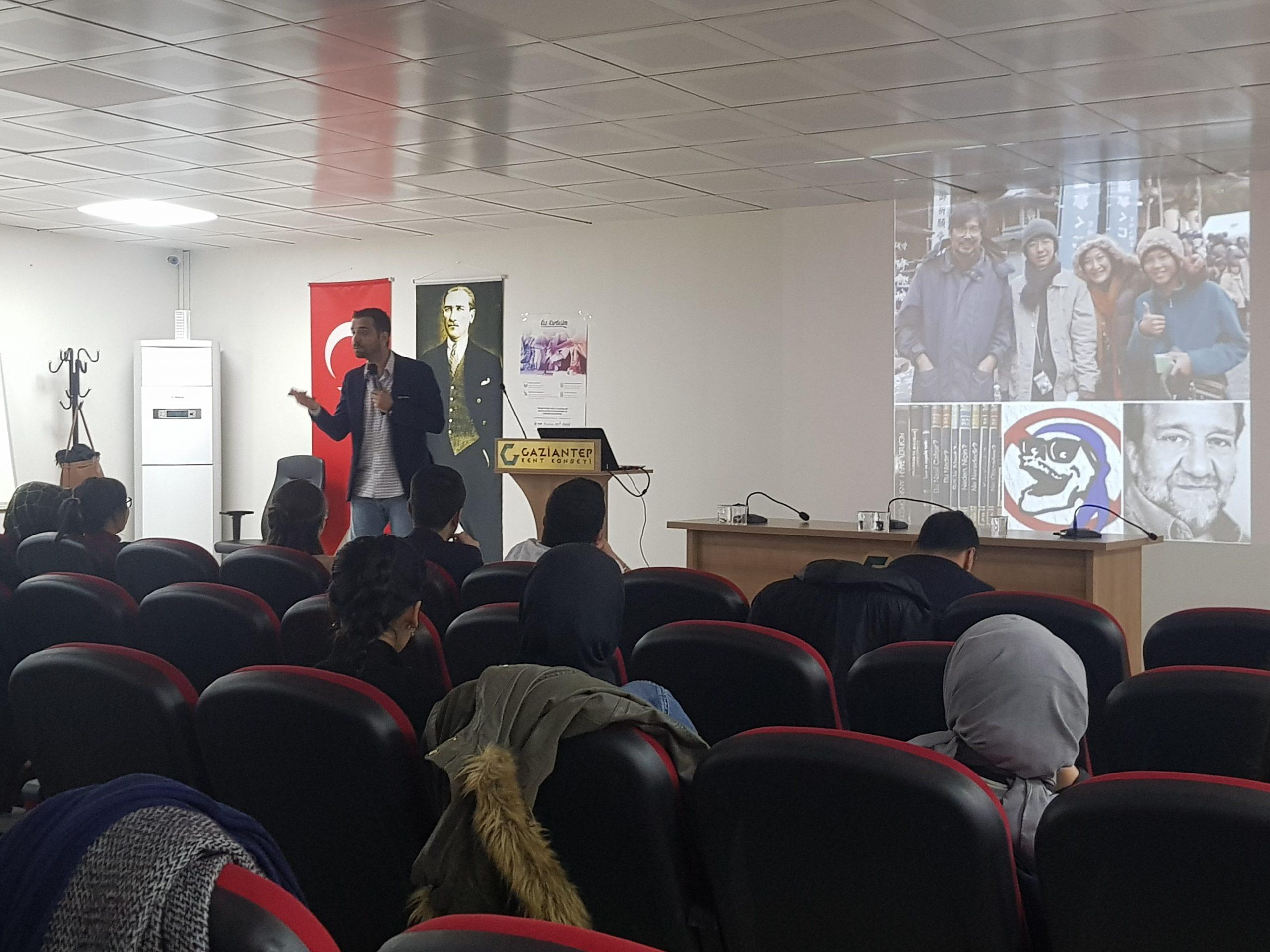 """Gaziantep Kent Konseyi Gençlik Meclisinden Üyelerine """"SOSYAL MEDYA GİRİŞİMCİLİK EĞİTİMİ"""""""